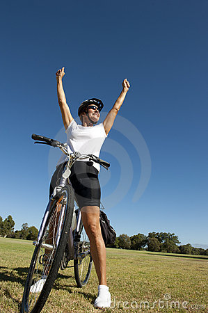 Free Happy Healthy Female Cyclist Royalty Free Stock Photography - 22837617