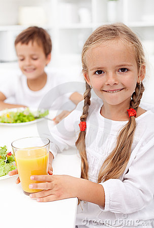 Free Happy Healthy Kids Eating Stock Photos - 21922373