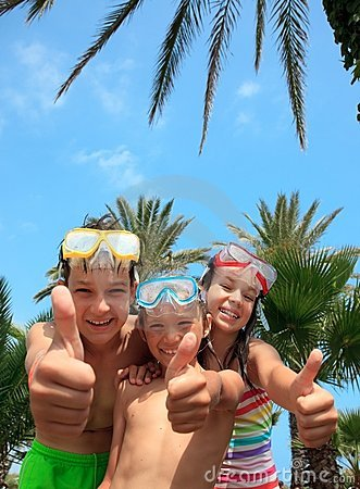 Free Happy Kids In Snorkel Masks Royalty Free Stock Images - 12020959