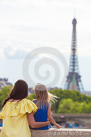 Free Happy Mother And Little Adorable Girl In Paris Stock Photography - 61717932