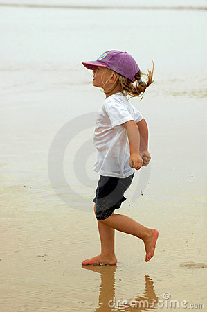 Free Happy Summer Child Royalty Free Stock Images - 2431679