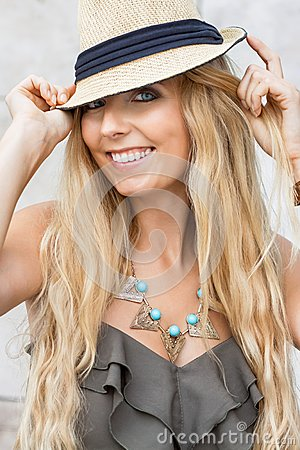 Free Happy Young Blonde Woman With Hat Outdoor Summertime Stock Images - 37462704