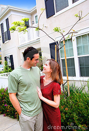 Free Happy Young Couple New Home Royalty Free Stock Image - 5862626