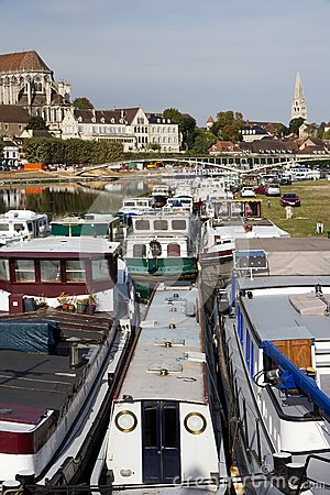 Harbour zone of Auxerre, the river Yonne