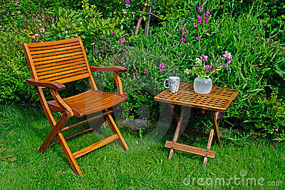 Hardwood garden chair and table