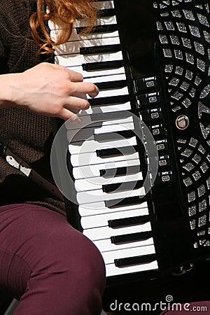 Harmonic player