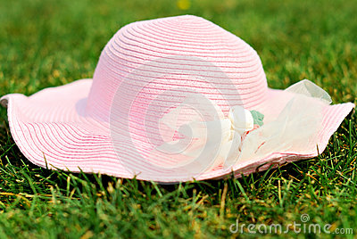 A hat on grass