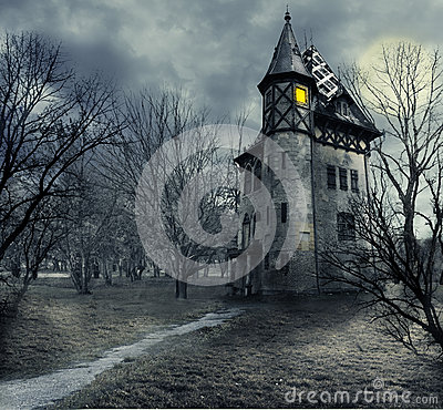 Free Haunted House Royalty Free Stock Photo - 33091065