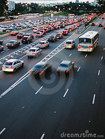 Hauptverkehrszeit-Verkehr