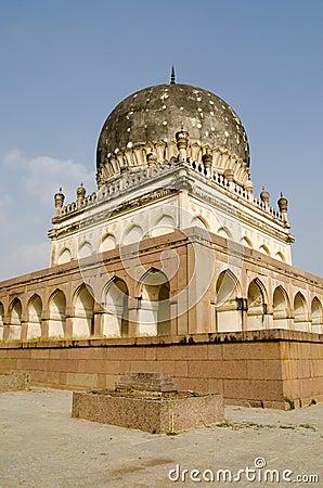 Hayath Bakshi回教徒的女王坟茔