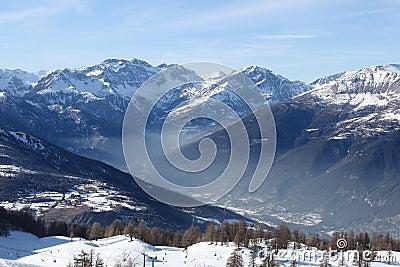 Haze in the mountain vale(horizontal)