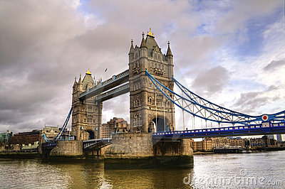 HDR photo of Tower Bridge on a cloudy day