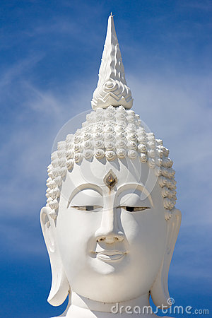 Free Head Of White Buddha Against Blue Sky. Royalty Free Stock Photos - 72147888