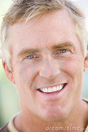 Free Head Shot Of Man Stock Images - 5944734