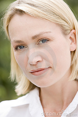 Free Head Shot Of Woman Stock Images - 5944664
