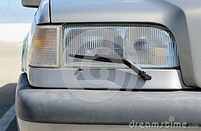 Headlight with wipers