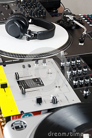 Headphones, Mixer And Turntable Royalty Free Stock Images - Image: 26476729