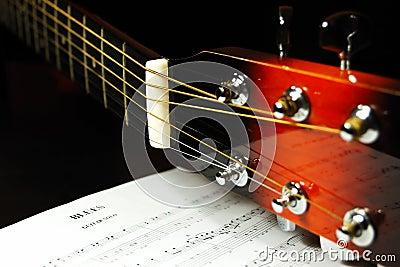 Headstock da guitarra e Pegs de ajustamento