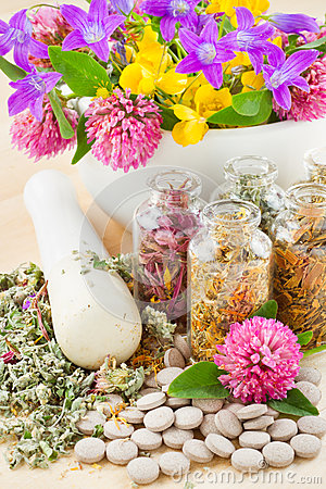 Free Healing Herbs In Glass Bottles, Herbal Medicine Stock Photography - 25232142
