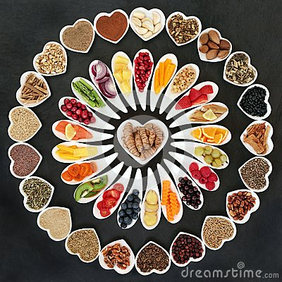 Free Health Food For A Healthy Heart Stock Photo - 108602250