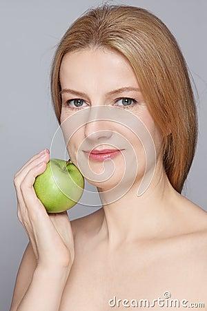 healthy-ageing-portrait-beautiful-happy-