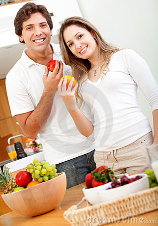 Healthy eating couple