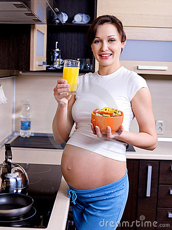 Free Healthy Eating For Pregnant Woman Stock Images - 12487784