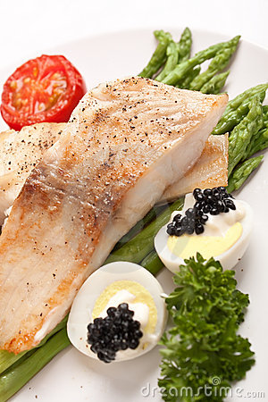 Healthy fish with asparagus