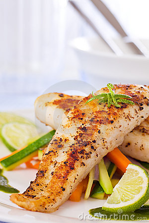 Free Healthy Fish Pangasius Meal Royalty Free Stock Image - 19247106