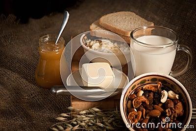 Healthy  meal . bread , cereals