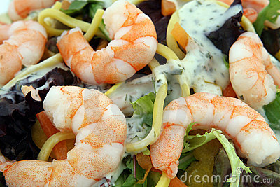 Healthy noodle and prawn salad food diet