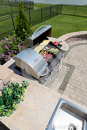Free Healthy Outdoor Living Cooking In A Summer Kitchen Royalty Free Stock Image - 54571566