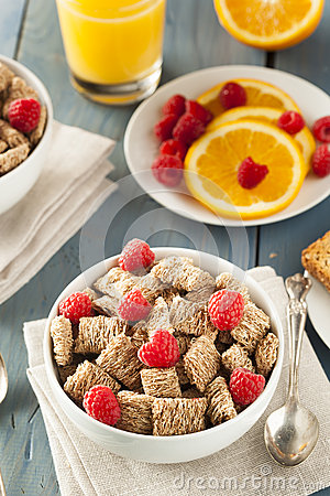 Free Healthy Whole Wheat Shredded Cereal Royalty Free Stock Image - 41068686
