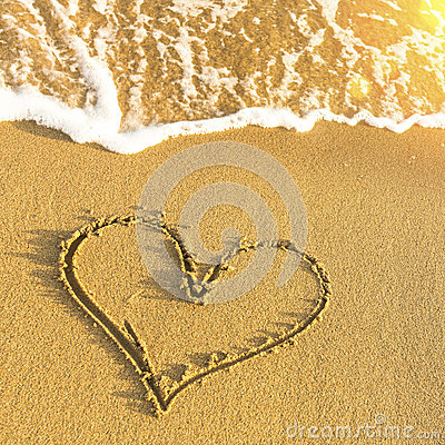 Free Heart Drawn In Beach Sand, Soft Wave And Solar Glare. Love. Royalty Free Stock Photography - 50925047