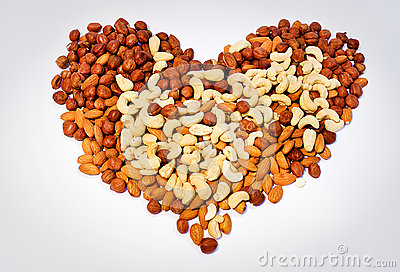 Heart from nuts
