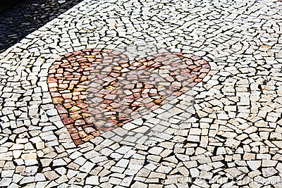 Heart shaped pebble pavement