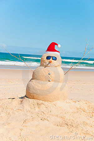 Free Heat Resistent Snowman Sunbathing On Beach Royalty Free Stock Photo - 20344935