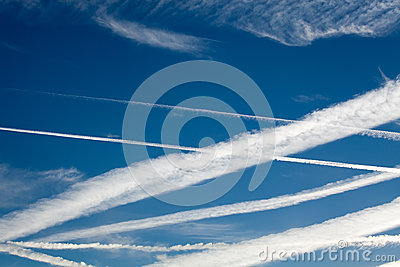 Heathrow Vapour Trails