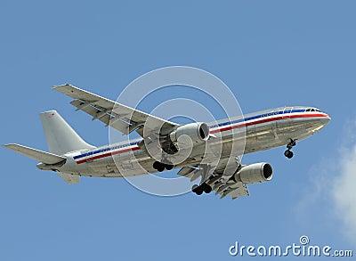 Heavy jet airplane