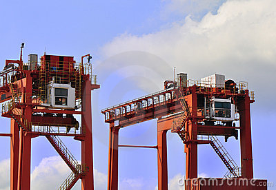 Heavy load cranes