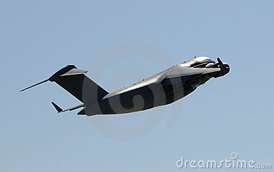 Heavy transport airplane