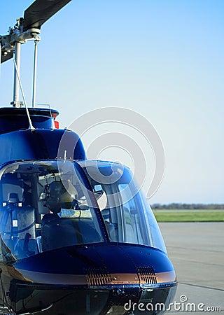 Helicóptero de la turbina
