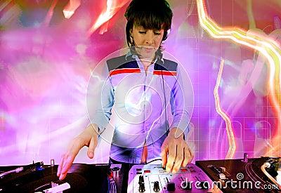 Hembra cobarde DJ