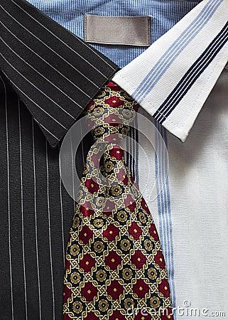 Hemden und Bindung
