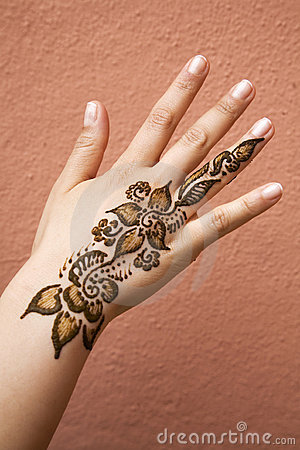Free Henna On Hand Stock Image - 15909341