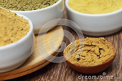 Henna uptan sandalwood powder