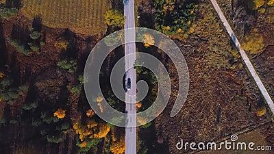 Herbstsaison in Bergsicht von oben stock footage