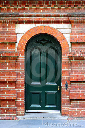 Free Heritage Arched Door In Red Brick Wall Royalty Free Stock Images - 17080509