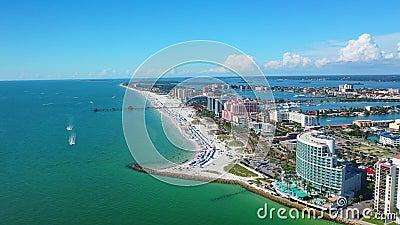 Hermosa vista aérea de Clearwater Beach Florida almacen de metraje de vídeo
