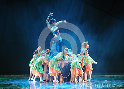 The hero was born-The dance drama The legend of the Condor Heroes